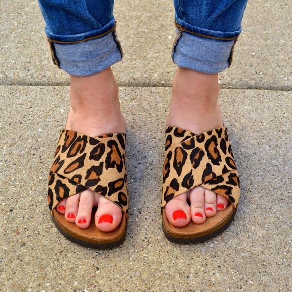 3872faab47bc1 Sam Edelman Leopard print sandals. M 5ad2365d331627d8fb65e85d